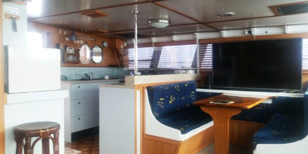 50ft power cat cabin port side